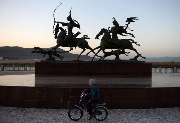 Rzeźba Carskie polowanie w mieście Kyzył - Sputnik Polska