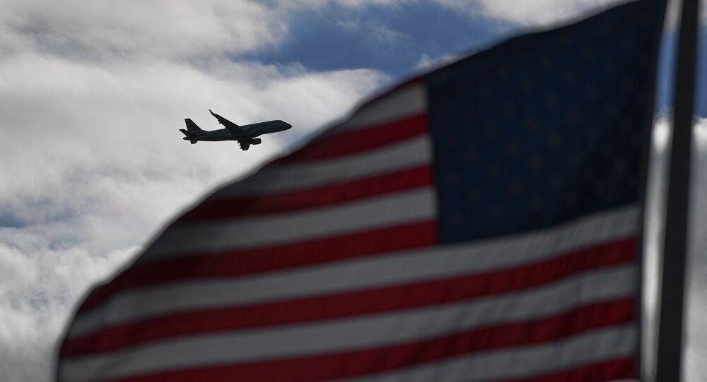 Samolot leci nad USA