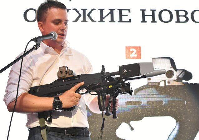 """Prezentacja radioelektronicznej nieśmiercionośnej broni nowej generacji opracowanej przez koncern """"Kałasznikow"""""""