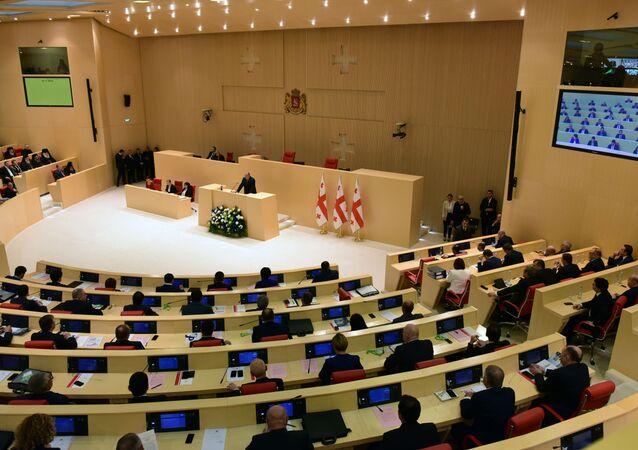 Prezydent Gruzji Giorgi Margwelaszwili przemawia na posiedzeniu gruzińskiego parlamentu. Zdjęcie archiwalne