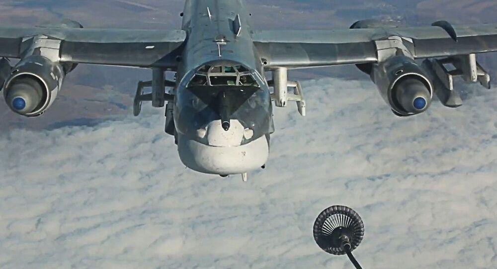 Tankowanie w powietrzu rosyjskiego bombowca strategicznego TU-95MS
