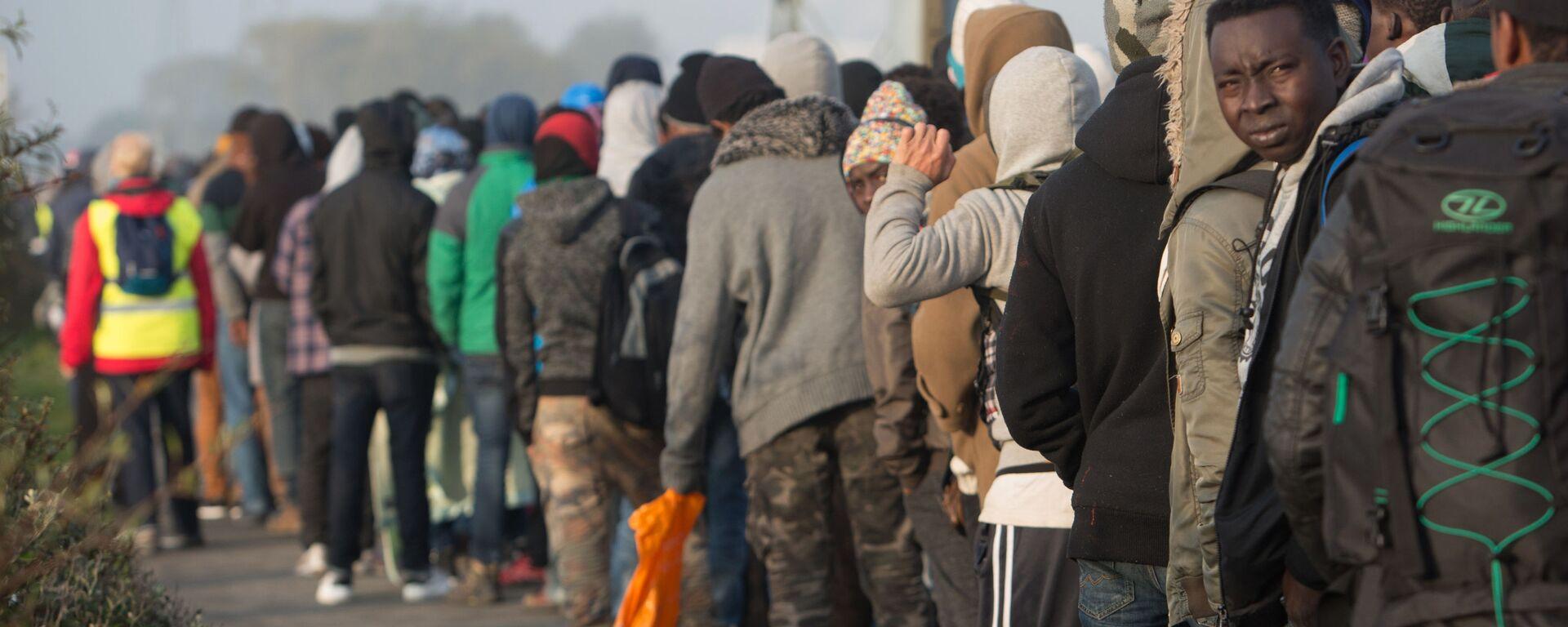 Uchodźcy w Calais, Francja - Sputnik Polska, 1920, 22.02.2021
