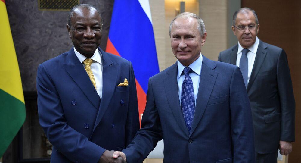 Prezydent Gwinei Alpha Conde podziękował przywódcy Rosji Władimirowi Putinowi za pomoc w walce z gorączką krwotoczną Ebola i otwarcie centrum badań nad tą chorobą