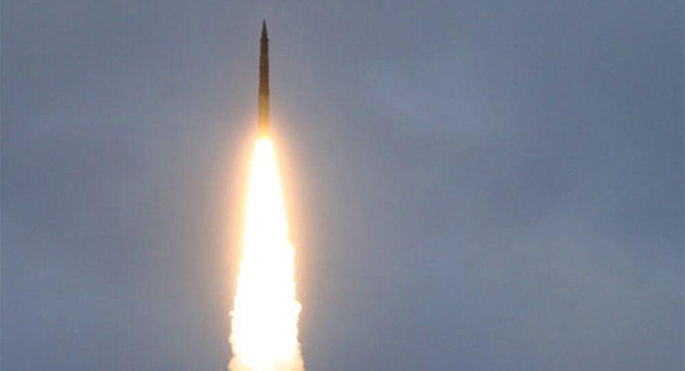 Test międzynarodowej rakiety balistycznej Topol