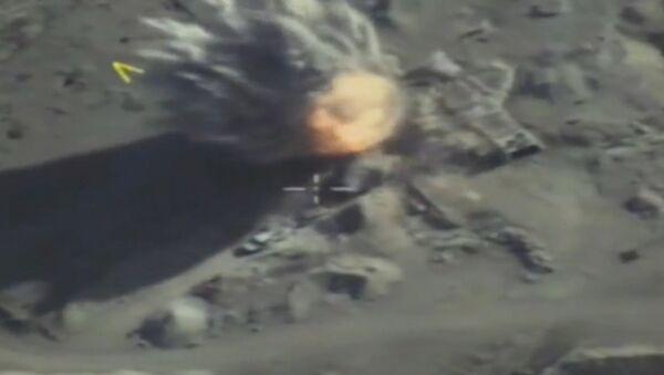 Rosyjskie Siły Powietrzno-Kosmiczne zaatakowały obiekty i sprzęt Dżabhat an-Nusry - Sputnik Polska