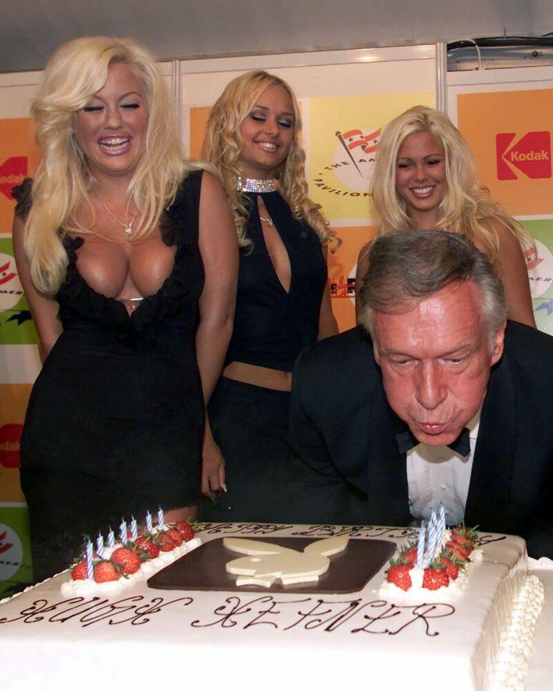 Założyciel magazynu Playboy Hugh Hefner podczas 75. urodzin