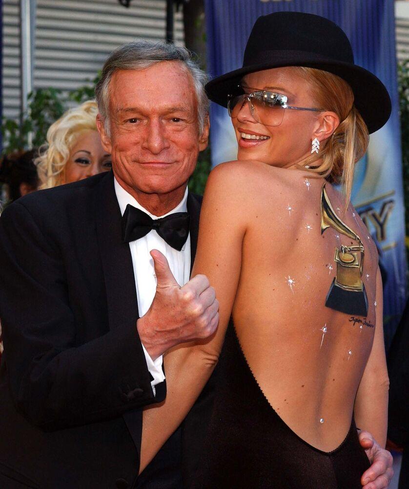Założyciel magazynu Playboy Hugh Hefner podczas 44. ceremonii rozdania nagród Grammy w Los Angeles