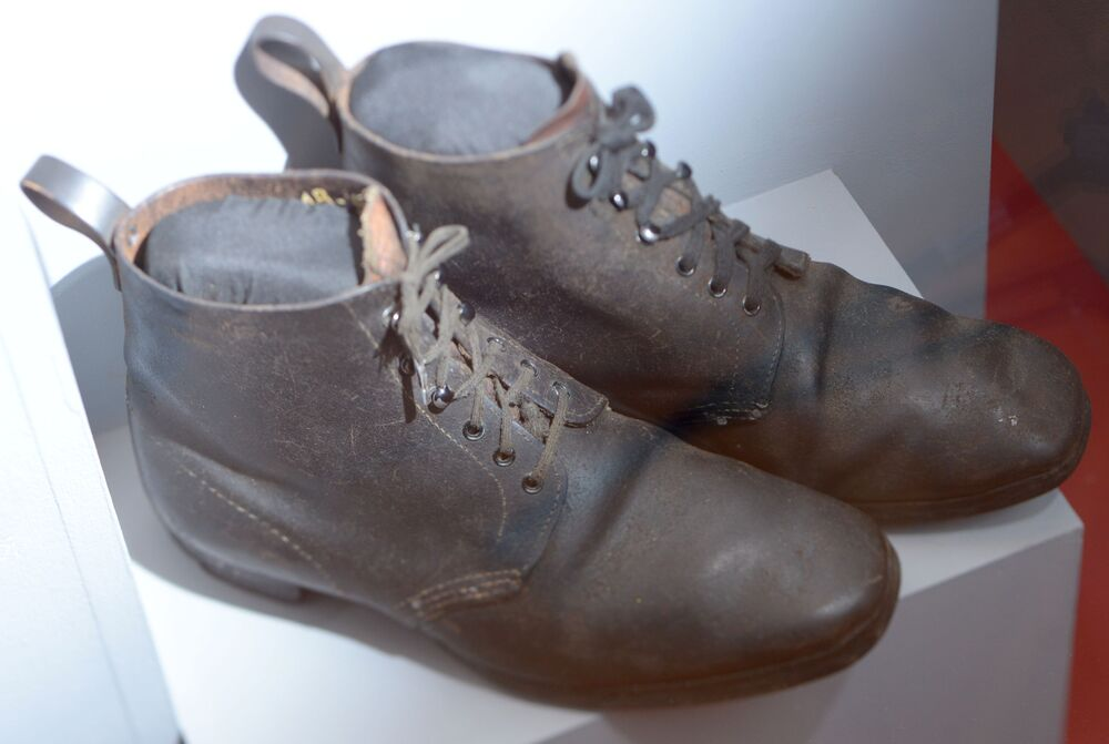 Buty do chodzenia po górach należące do Lenina