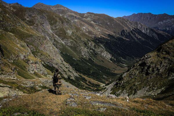 Dolina rzeki Imierietinki na terenie wschodniej części Kaukaskiego Rezerwatu Biosfery (Republika Karaczajo-Czerkiesji). - Sputnik Polska