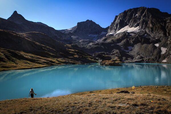 Jezioro Bolszoje Imierietinskoje (Wielkie Imeretyńskie) na terenie wschodniej części Kaukaskiego Rezerwatu Biosfery (Republika Karaczajo-Czerkiesji). - Sputnik Polska