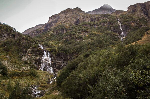 Imeretyńskie wodospady na terenie wschodniej części Kaukaskiego Rezerwatu Biosfery (Republika Karaczajo-Czerkiesji). - Sputnik Polska