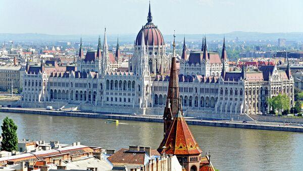 Budynek węgierskiego parlamentu w Budapeszcie - Sputnik Polska