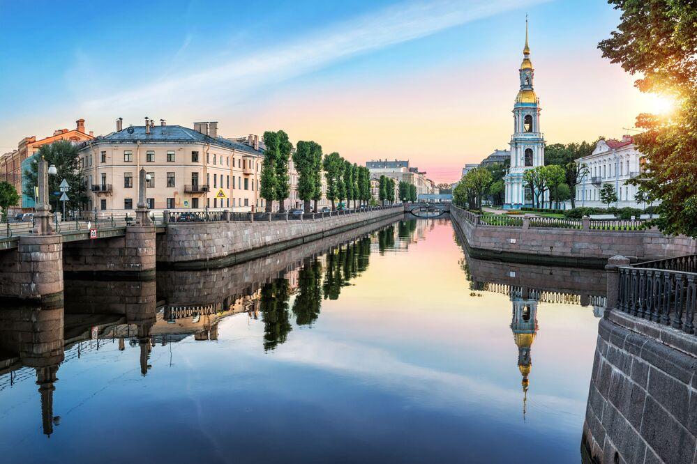 Most Pikalov i dzwonnica w Petersburgu