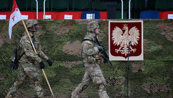 Amerykańscy wojskowi na uroczystości powitania wielonarodowego batalionu NATO pod dowództwem USA w Orzeszu - Sputnik Polska