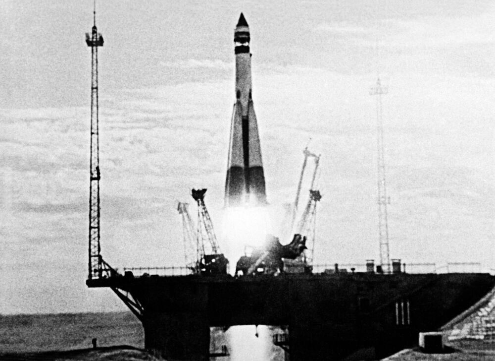 Wystrzelenie pierwszego sztucznego sputnika Ziemi