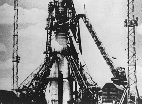 Rakieta z pierwszym sztucznym satelitą Ziemi Sputnik-1 - Sputnik Polska