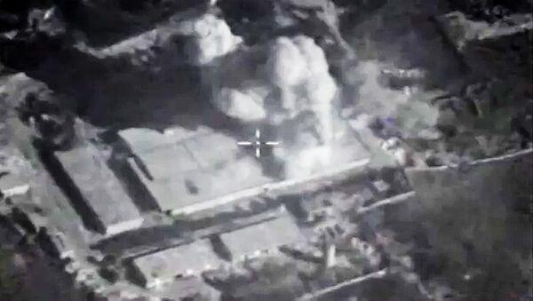 Siły Powietrzno-Kosmiczne Rosji zaatakowały bazę terrorystów w prowincji Idlib pociskami manewrującymi - Sputnik Polska