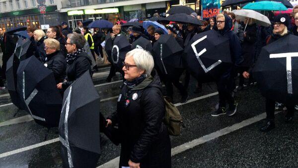 Czarny protest w Warszawie - Sputnik Polska