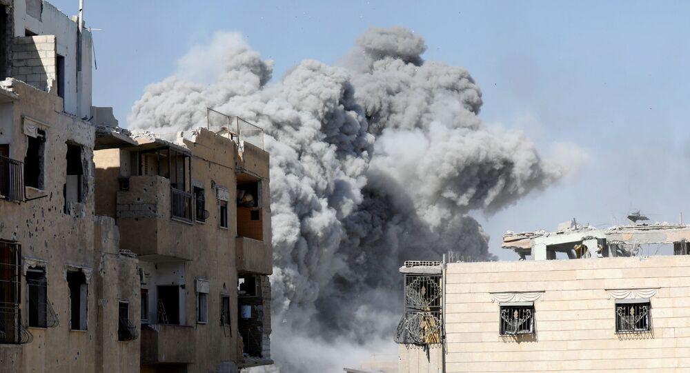 Nalot sił koalicji na pozycje ISIS w Rakce