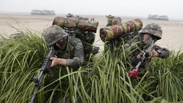 Południowokoreańska piechota morska podczas ćwiczeń wojskowych. Zdjęcie archiwalne - Sputnik Polska