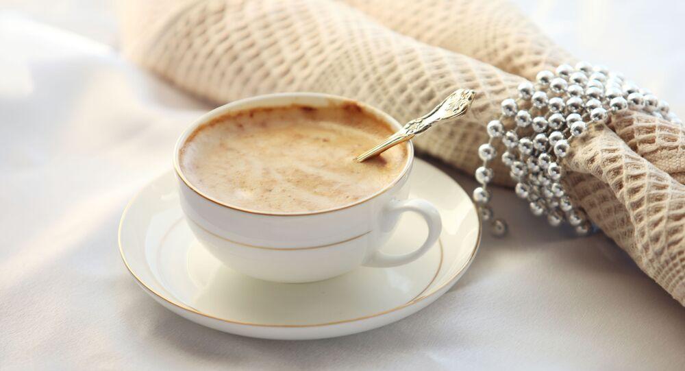 Filiżanka kawy i serwetka