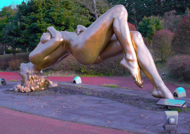 Rzeźba w parku erotycznym Love Land w Korei Południowej