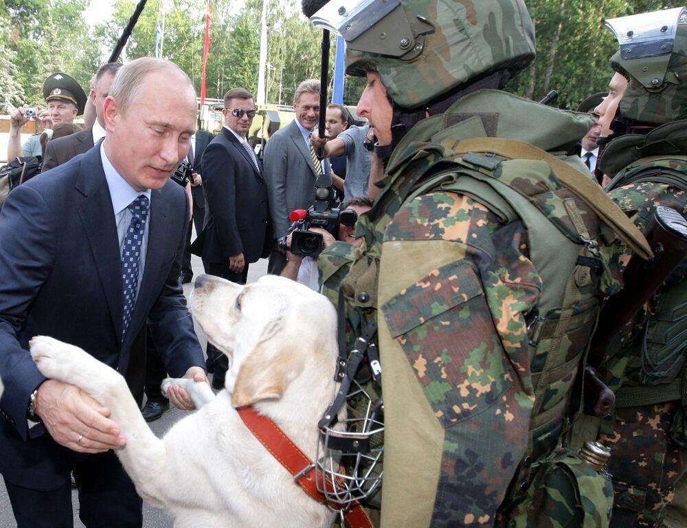 Władimir Putin podczas wizyty w Bałaszysze