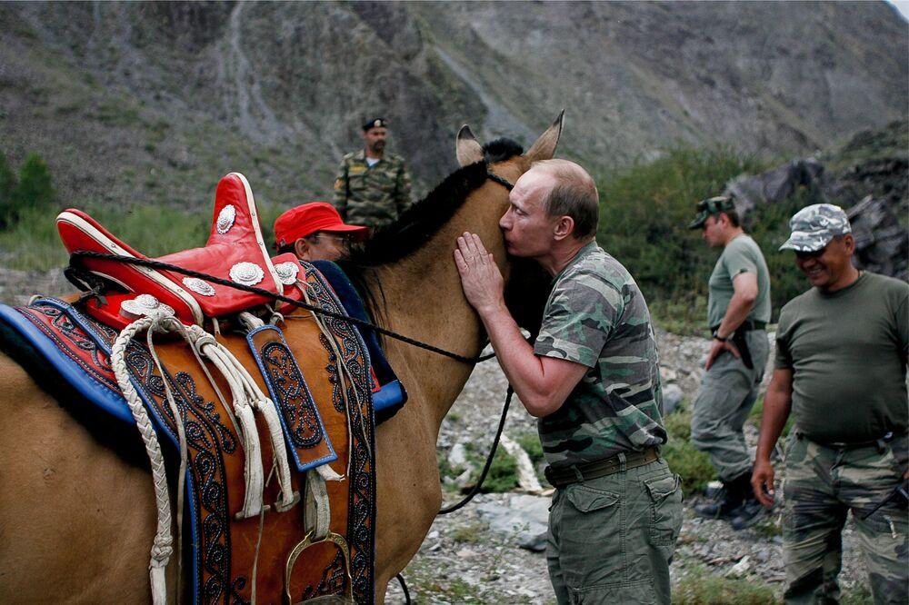 Władimir Putin podczas wizyty w Tuwie, 2008 rok
