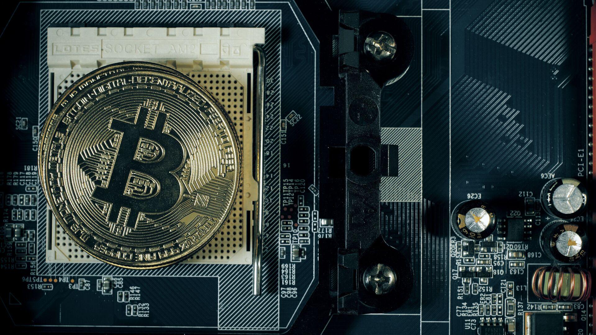 Moneta bitcoin - Sputnik Polska, 1920, 22.06.2021
