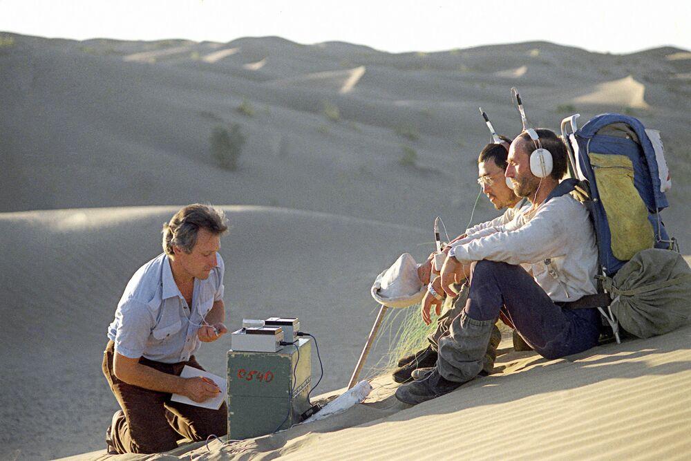Członkowie ekspedycji Człowiek i pustynia -  marszu przez pustynię Kara-kum w lipcu i sierpniu 1984 roku