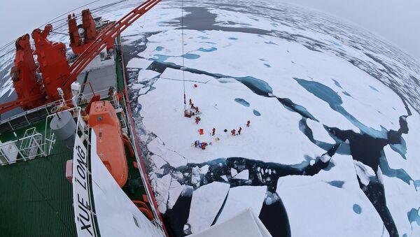Chiński lodołamacz Xue Long - Sputnik Polska