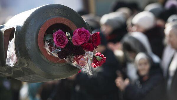 Pożegnanie z dowódcą batalionu powstańczego DRL Somali Michaiłem Tołstych (Giwi) w Doniecku - Sputnik Polska