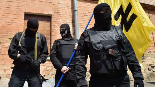 Członkowie ukraińskiego radykalnego ruchu Prawy Sektor - Sputnik Polska