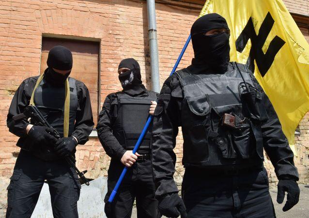 Członkowie ukraińskiego radykalnego ruchu Prawy Sektor