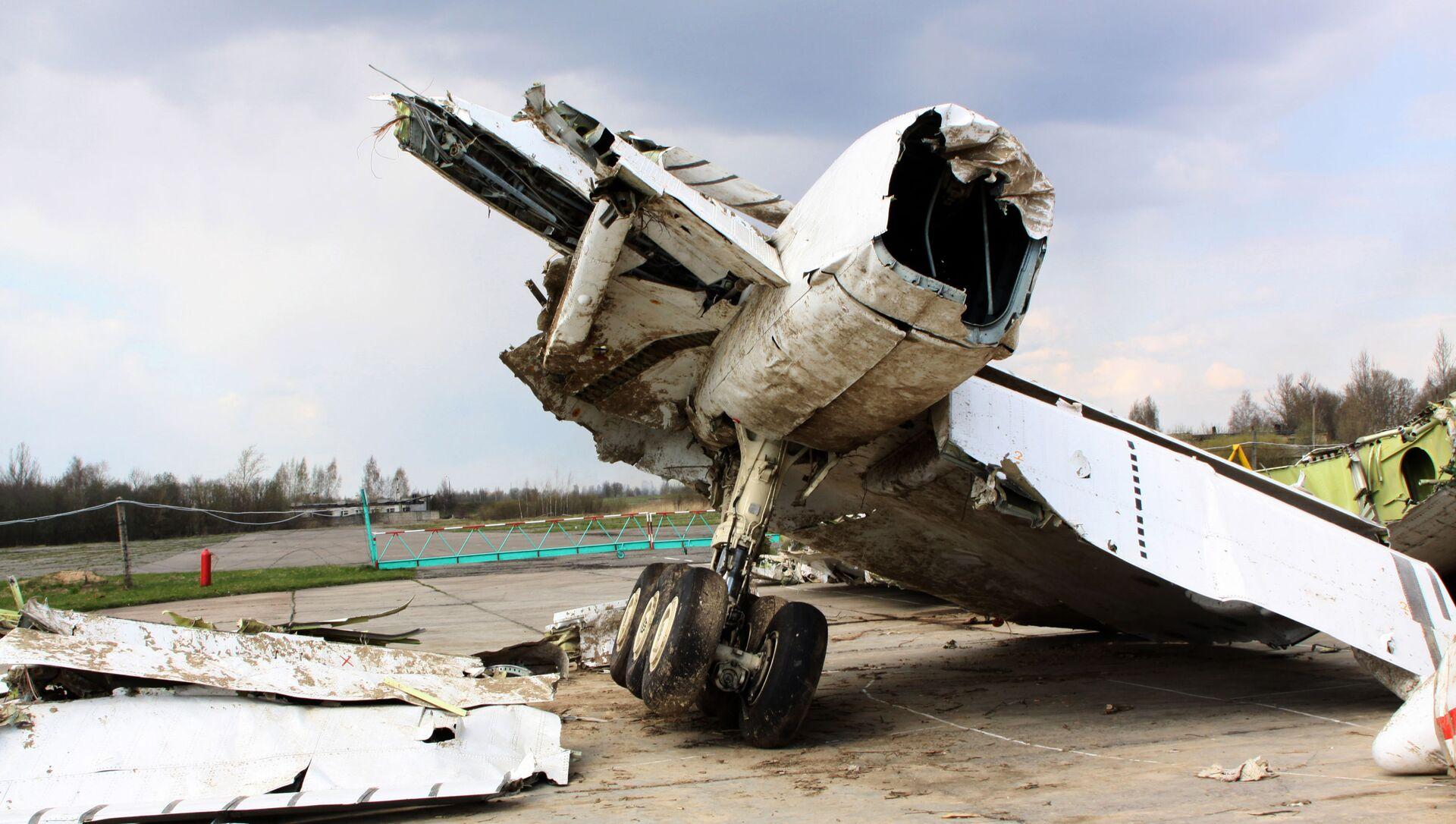Wrak polskiego samolotu rządowego Tu-154 na chronionym terenie lotniska w Smoleńsku - Sputnik Polska, 1920, 16.04.2021