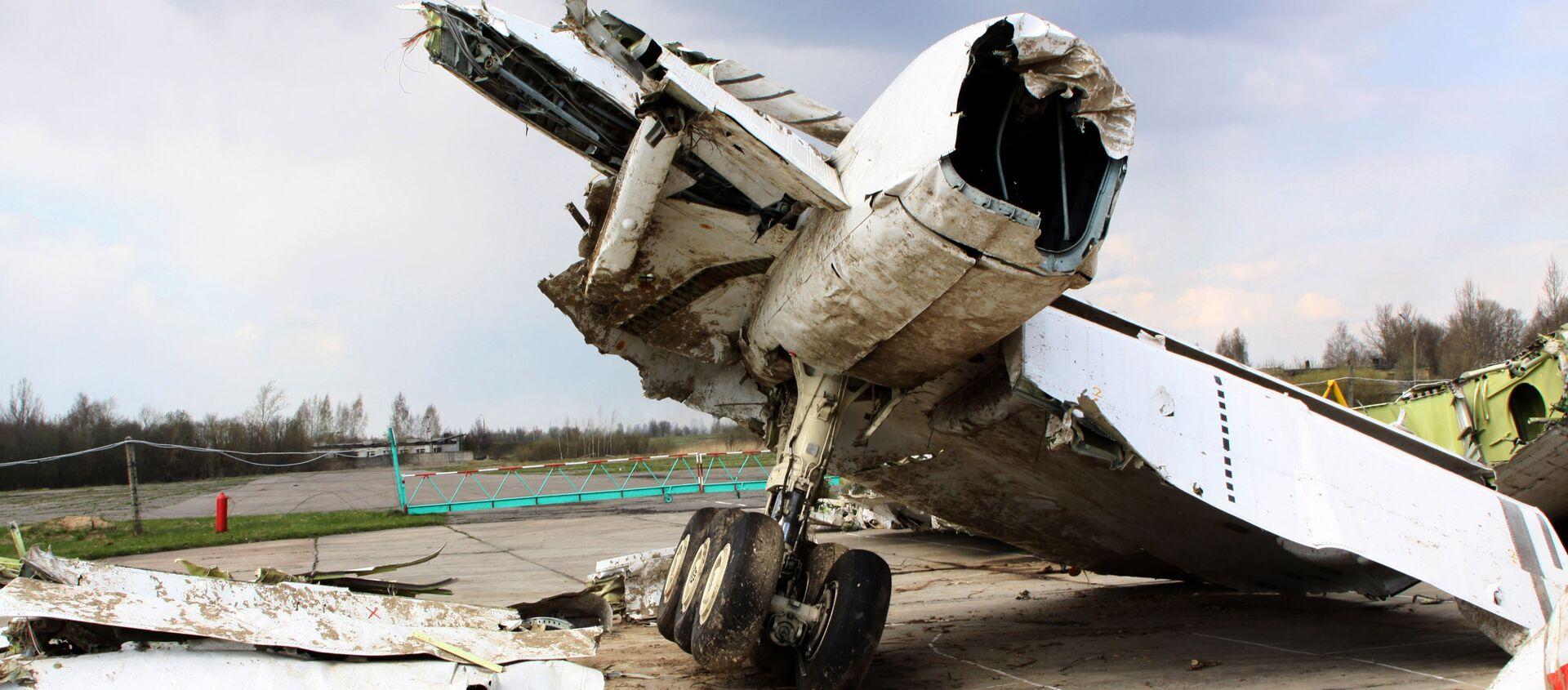 Wrak polskiego samolotu rządowego Tu-154 na chronionym terenie lotniska w Smoleńsku - Sputnik Polska, 1920, 24.02.2021