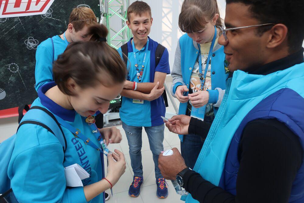 Wolontariusze na Festiwalu w Soczi