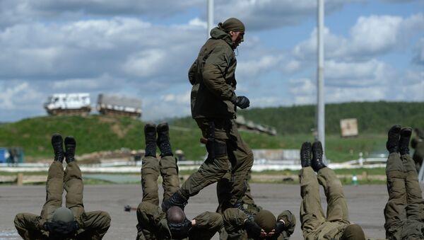 Ćwiczenia taktyczne jednostek specjalnych Rosgwardii i MSW Rosji - Sputnik Polska
