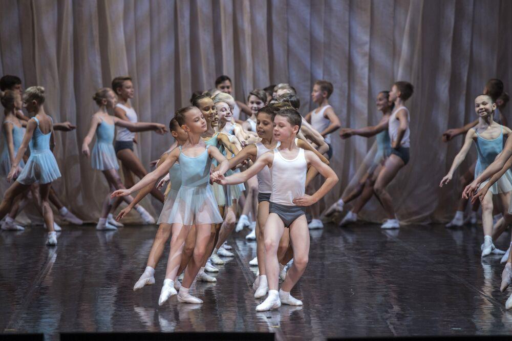 Właśnie tej uczelni rosyjska szkoła baletowa zawdzięcza swoją światową renomę.