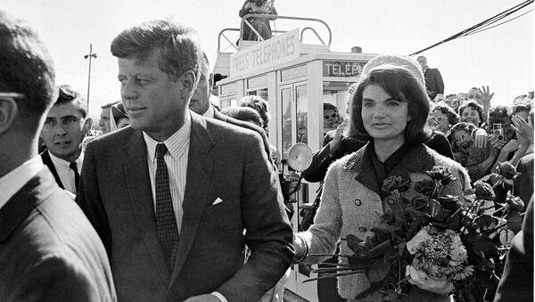 John F. Kennedy i Jacqueline Kennedy - Sputnik Polska