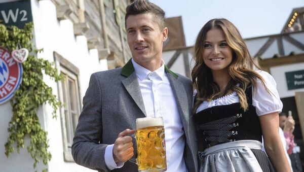 Robert Lewandowski i jego żona Anna Lewandowska - Sputnik Polska