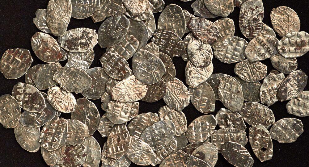 Monety ze skarbu Piotra I znalezionego w Moskwie