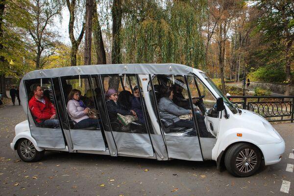Ekologiczny transport w Parku Narodowym Kisłowodzki. - Sputnik Polska