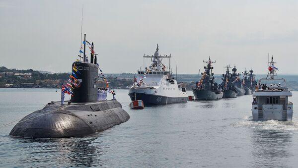 Okręty podwodne Rosji na paradzie w Sewastopolu - Sputnik Polska