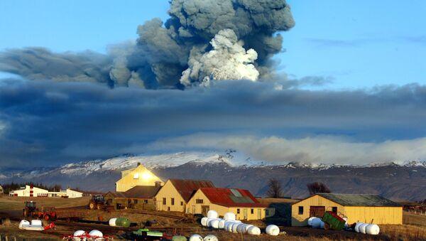 Ausbruch des Vulkans Eyjafjallajökull auf Island - Sputnik Polska