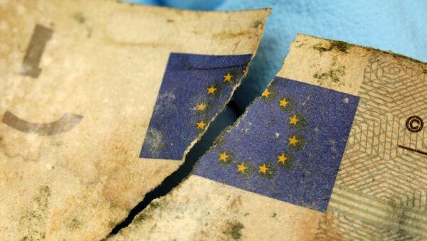 Uszkodzony banknot Euro - Sputnik Polska