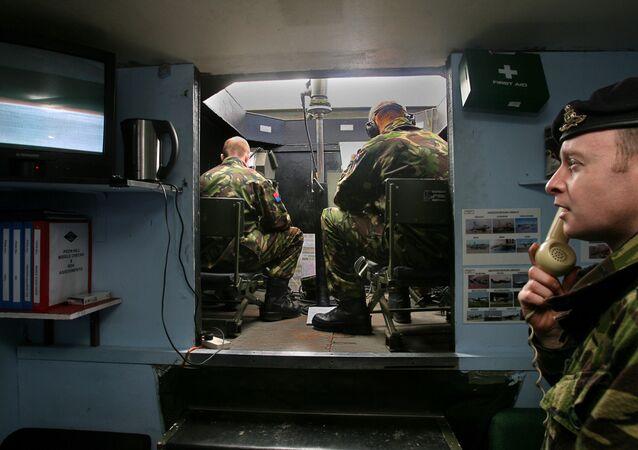 Brytyjscy żołnierze na Falklandach