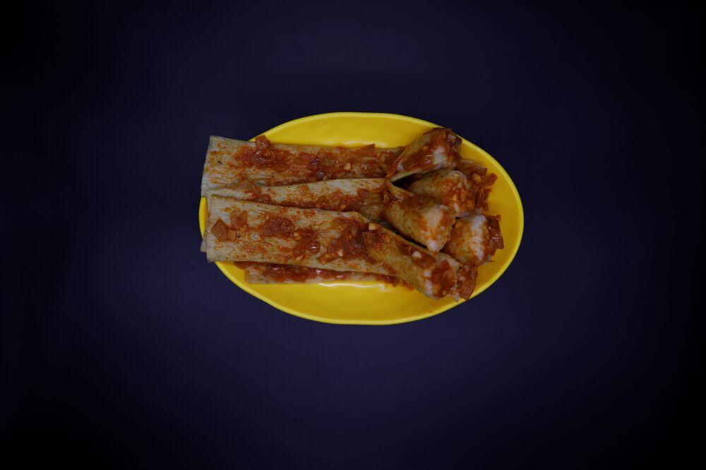Północnokoreańskie danie o nazwie injogogi-bab.