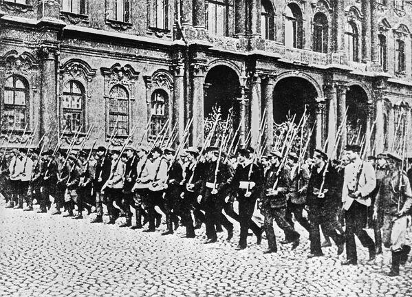 Archiwalne fotografie rewolucji październikowej, Piotrogród 1917 r. - Sputnik Polska