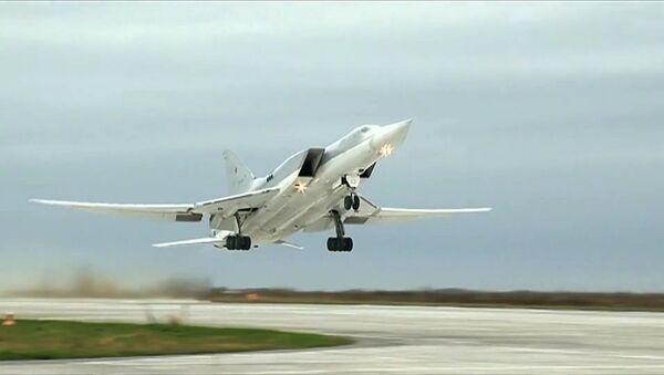 Bombowiec Tu-22M3 rosyjskich WKS - Sputnik Polska